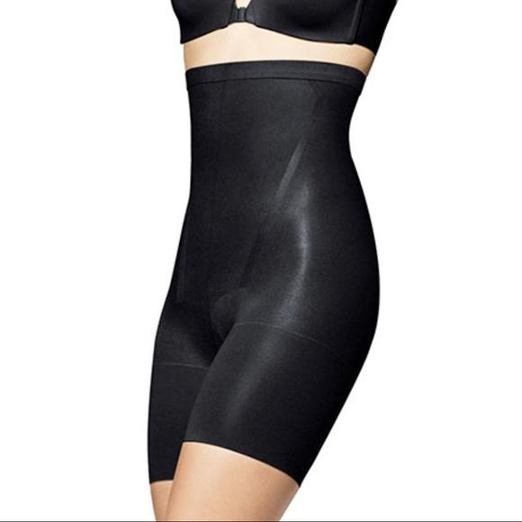 851381ef5f443 Spanx high waist shapewear shorts C new. M 5acf820c46aa7cc64e475fa3